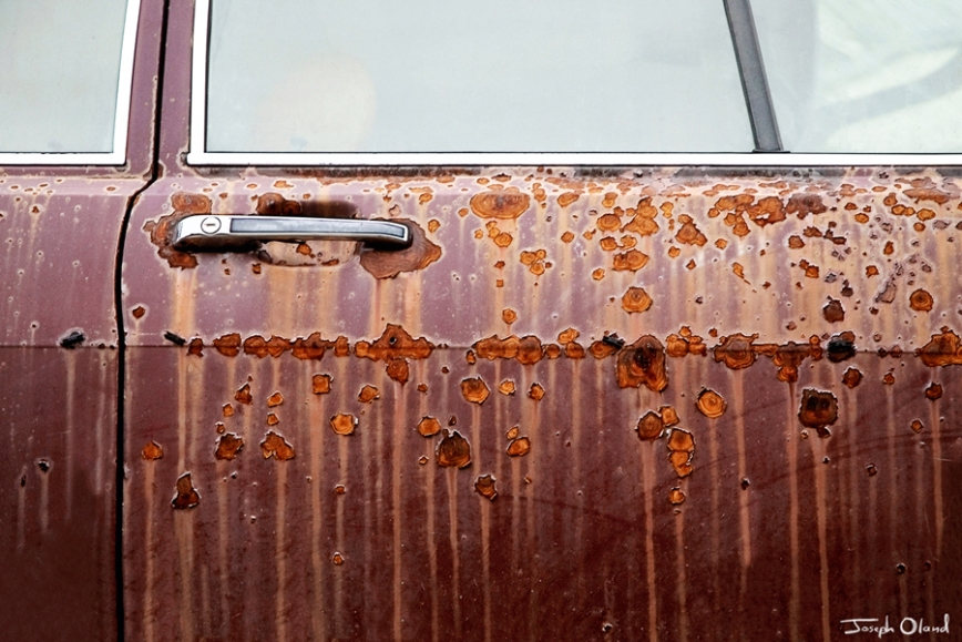 rusted-carpost