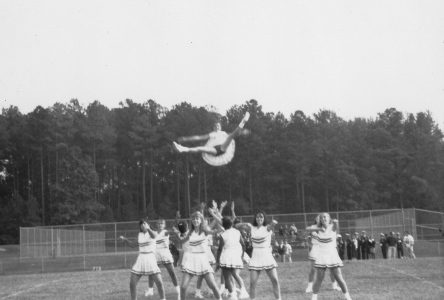 vintage-cheerleaders-post